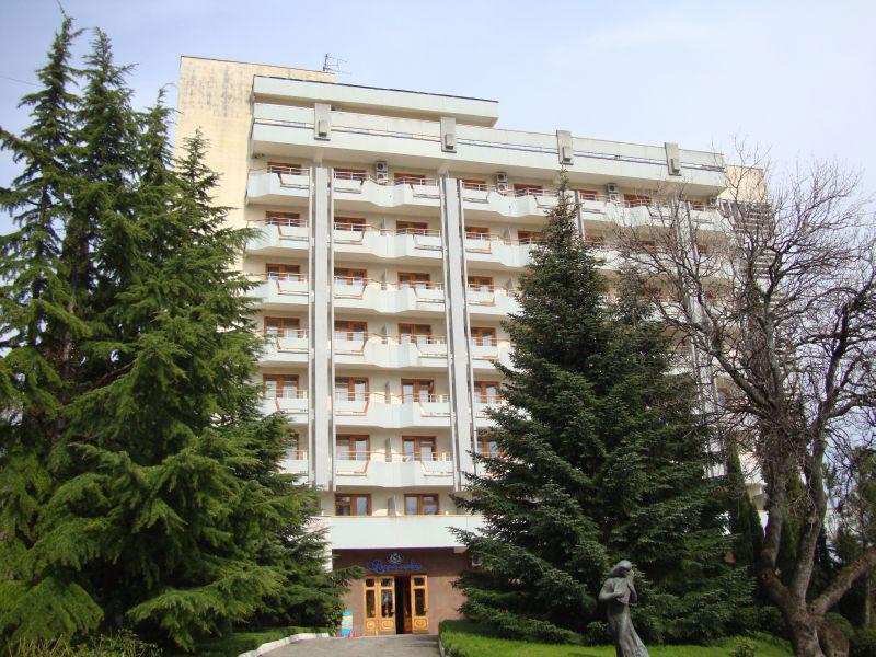 Знаменитый дом отдыха «Воронцово» в курортном поселке Кореиз в Крыму