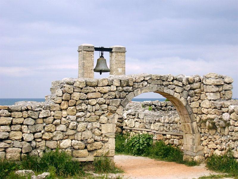 Развалины древнегреческого города Херсонес Таврический
