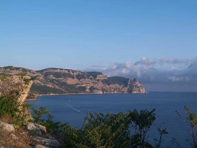 Мыс Айя в Крыму - популярная достопримечательность неподалеку от Севастополя