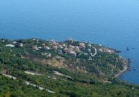 Отдых в Форосе — великолепном курортном поселке на Южном Берегу Крыма
