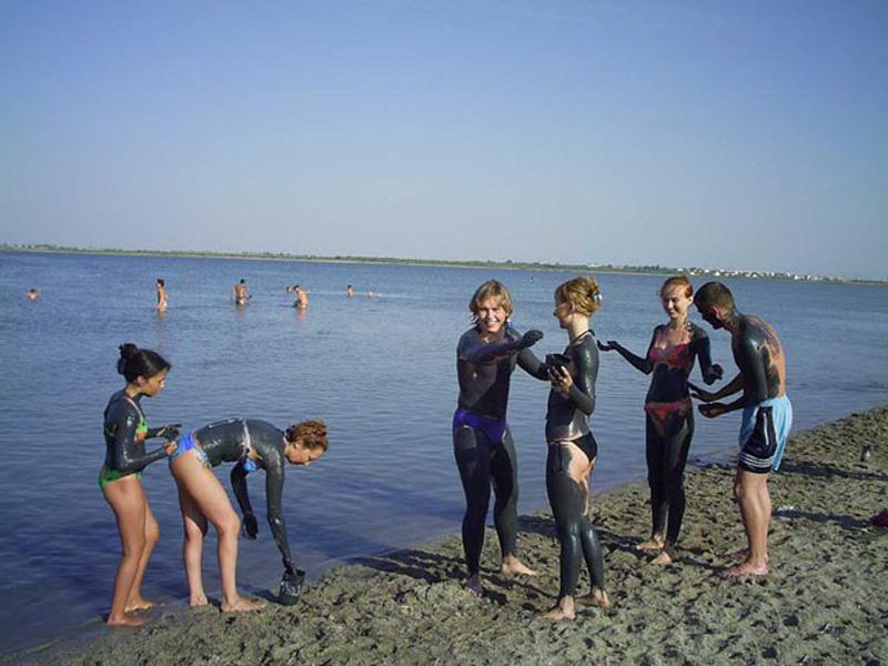 Cакское грязевое озеро