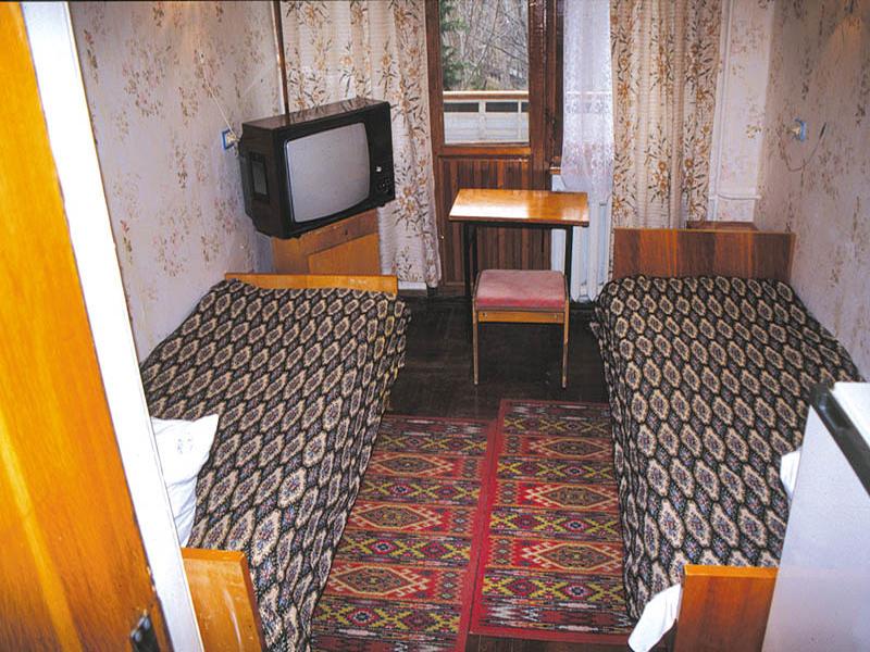 Пример одного из номеров эконом класса в санатории «Сокол» в Судаке